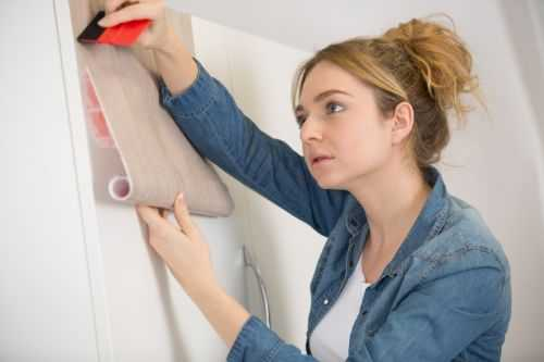 applying wallpaper